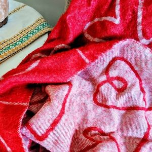 💗 Red Heart Throw Blanket